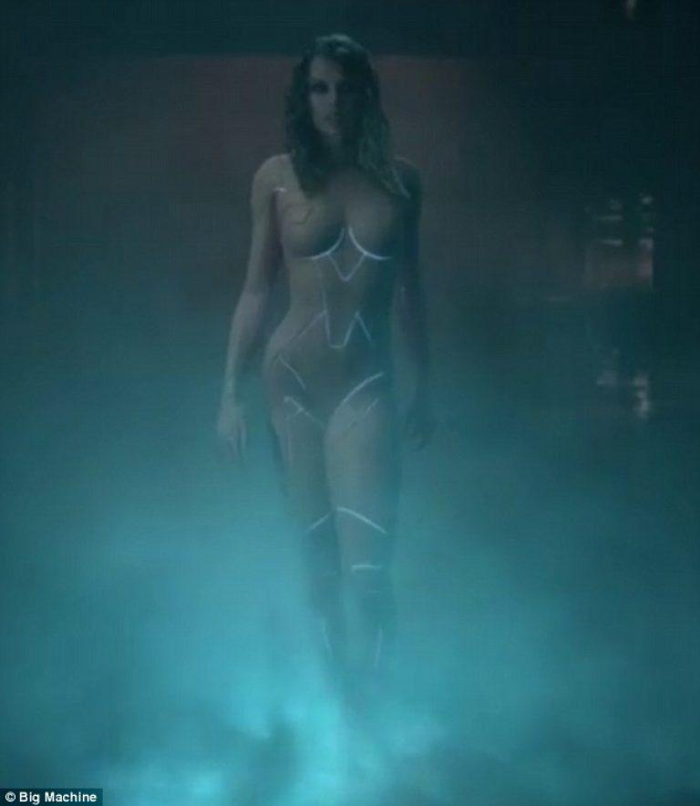 Taylor Swift Appears Totally Nude In Sneak Peek Of Ready For it Music Video